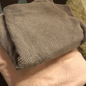 Two of each towel (4 TOTAL